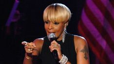 Mary J. Blige gets star on Hollywood Walk of Fame - Social News XYZ