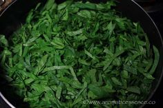 Step-by-step recipe with pictures to make dal palak. How to prepare Indian spinach dal curry. Dal Palak Recipe, Dahl Recipe, Baby Food Recipes, Indian Food Recipes, Vegetarian Recipes, Ethnic Recipes, Spinach Dal, Spinach Curry, Yellow Lentils
