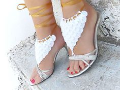Hey, I found this really awesome Etsy listing at https://www.etsy.com/listing/157728118/crocodile-stitch-barefoot-sandal-white