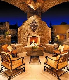 I love this outdoor fireplace...