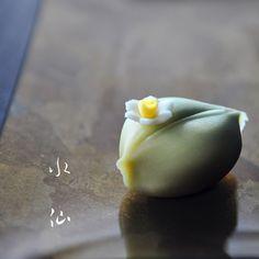 水仙 : 煉切  #和菓子 #ねりきり