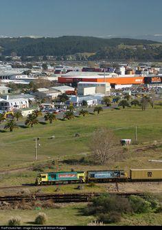 RailPictures.Net Photo: 7348 Kiwi Rail DFT class at Napier, New Zealand by William Rutgers