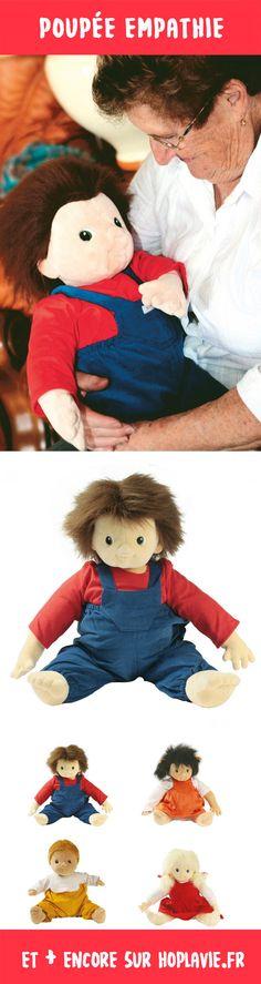 POUPÉE EMPATHIEPT284Lorsqu'on prend ces poupées empathie dans les bras, on a l'impression de tenir un vrai bébé! Leur secret? Les fesses lestées donnent une sensation de poids et leur visage, très doux, exprime la sérénité et rassure. Les yeux ont été spécialement dessinés pour créer un contact visuel instantané. 4 modèles différents, anatomiquement corrects avec une poche