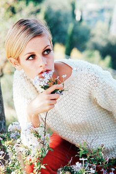 Oh Twiggy you gorgeous girl. Cream sweater, red cords and eyelashes