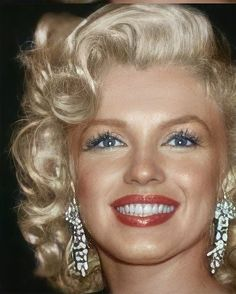Hollywood Icons, Hollywood Glamour, Hollywood Stars, Estilo Marilyn Monroe, Norma Jean Marilyn Monroe, Marilyn Monroe Artwork, Marilyn Monroe Portrait, Gentlemen Prefer Blondes, Actrices Hollywood