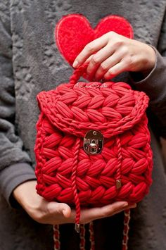 """New Cheap Bags. The location where building and construction meets style, beaded crochet is the act of using beads to decorate crocheted products. """"Crochet"""" is derived fro Crotchet Bags, Bag Crochet, Crochet Backpack, Crochet Purses, Knitted Bags, Tshirt Garn, Crochet Round, Handmade Bags, Hand Knitting"""