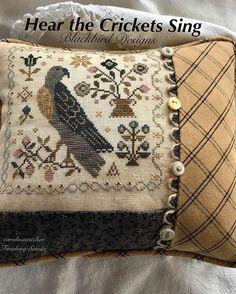 Felt Embroidery, Cross Stitch Embroidery, Cross Stitch Bird, Cross Stitching, Blackbird Designs, Blackbirds, Cross Stitch Finishing, Stitch 2, Crows