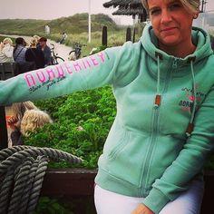 Kleine Insel...grosse Liebe - Danke für das tolle Bild in unserem Norderney Hoodie Antje Vennemann    Tagt Eure besten Strand- und Inselfotos mit #lanautique. Wir veröffentlichen täglich unsere Favoriten. Ahoi! ------------------------ #nordsee #ostsee #küste #meer #urlaub #insel #amrum #wangerooge #juist #borkum #rügen #fehmarn #sanktpeterording #baltrum #norderney #sylt #föhr #langeoog #sonne #strand | #meer #mode #küste #nordsee #ostsee