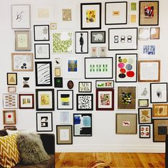 Love this idea for the kids interchangeable drawings/art?!