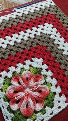 Jenny Boone's 610 media content and analytics Crochet Blocks, Crochet Squares, Crochet Granny, Crochet Doilies, Crochet Stitches, Free Crochet, Crochet Flower Patterns, Doily Patterns, Crochet Flowers
