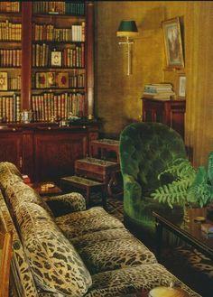 Velvet Walls   Love the velvet walls, green velvet chair, and leopard print velvet ...