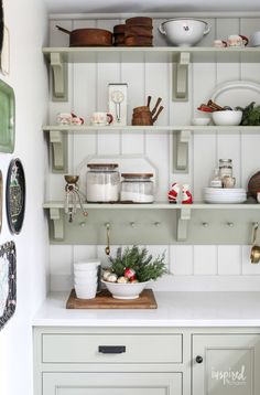 Christmas Kitchen Decor Ideas (Inspired by Charm) Christmas Kitchen, Christmas Home, Christmas Ideas, Christmas Crafts, Christmas Decorations, Christmas 2019, Country Christmas, White Christmas, Above Cabinets