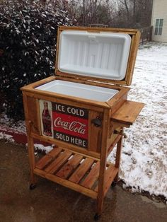 DIY Wooden Cooler Stand - Vintage Look