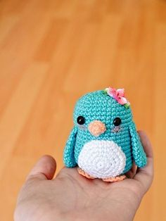DIY-Anleitung: Kleinen Amigurumi-Pinguin selber häkeln, Stofftier, Kuscheltier, häkeln für Kinder / DIY-tutorial: crocheting small amigurumi penguin, soft toy, stuffed animal, crocheting for kids via DaWanda.com
