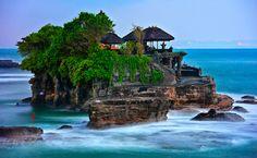 The Breathtaking Tanah Lot Temple