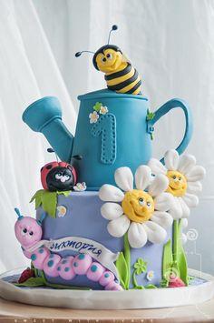Cute - cake by SweetWithIvane - CakesDecor Pretty Cakes, Cute Cakes, Fondant Cakes, Cupcake Cakes, Bug Cake, 1st Birthday Cakes, Garden Cakes, Spring Cake, Gateaux Cake