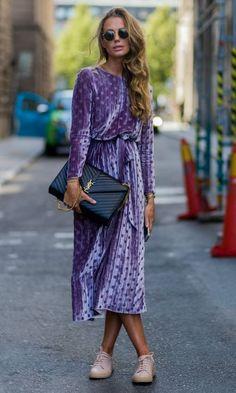 Lila Samtkleid - festlicher Look für die kalte Jahreszeit in der Trendfarbe Violett