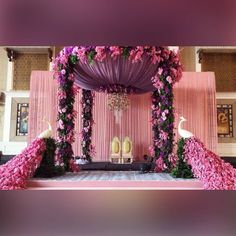 Sort out your Event in a basic and imaginative way. Our vision is to serve our Client in the Best Way, and we give the best Decoration Services to your gathering to make it extraordinary and significant. Desi Wedding Decor, Wedding Hall Decorations, Indian Wedding Receptions, Wedding Stage Design, Wedding Reception Backdrop, Marriage Decoration, Wedding Mandap, Flower Decorations, Wedding Table