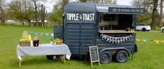 Heston the vintage mobile bar horse box!