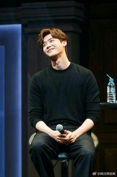 Aww look at this cutie ♡ Lee Jong Suk, Jung Suk, Lee Jung, Pinocchio, Asian Actors, Korean Actors, Angel Movie, Young Male Model, Yongin