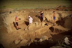 Учёные обнаружили каменные фрески, рассказывающие о жестокой спортивной игре племен Майя http://oane.ws/2017/10/03/uchenye-obnaruzhili-kamennye-freski-rasskazyvayuschie-o-zhestokoy-sportivnoy-igre-mayya.html  Американские учёные, проводящие исследования среди руин Типана Чэнь Уитца, находящихся близ Белиза, рассказали об очередном открытии. Они нашли каменные таблички, изображающие правила жестокой спортивной игры, заканчивающейся смертью для капитана проигравшей команды племени Майя.