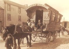 Reading wagon at Barnet, Herts. 1921. Dunton's are first recorded as 'coach and cart wheelwright and general smith' at 30 King's Road and Highbridge Wharf in 1874. It is not known when they made their first caravan but by 1884 they were described as 'van builders'. By 1889, as 'coach and carriage builders', they had moved to Crane Wharf, King's Road, where they remained until the business was sold in 1922 to Froud, Rivers and Kernutt.