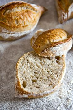 Loose and highly aromatic: Rustic Baguette Simple Muffin Recipe, Healthy Muffin Recipes, Easy Bread Recipes, Healthy Muffins, Donut Recipes, Pizza Recipes, Clean Eating Recipes, Easy Rolls, Homemade Rolls
