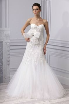 Spring 2013 wedding dress Monique Lhuillier - the pattern reminds me of tree bark... I LOVE IT