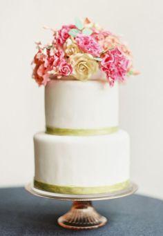 Wedding cake idea; Featured Photographer: O'Malley Photographers  www.foreverly.de