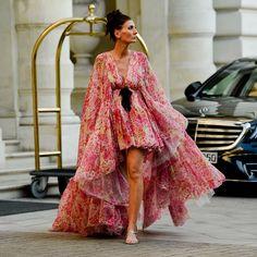 Giovanna Battaglia in Giambattista Valli Fashion Now, Fashion Details, Daily Fashion, Fashion Dresses, Fashion Looks, Fashion Design, Ootd, Glamour, Fashion Images