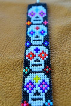 bead embroidery patterns on fabric Native Beading Patterns, Bead Embroidery Patterns, Bead Crochet Patterns, Seed Bead Patterns, Beaded Jewelry Patterns, Weaving Patterns, Mosaic Patterns, Bead Jewelry, Native Beadwork