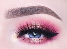 100 Days of Makeup - Day Soft romantic Valentine& Day eyelook using my new Rose Gold Eyeshadow Palette! Simple Makeup Tips, Creative Eye Makeup, Colorful Eye Makeup, Eye Makeup Art, Skin Makeup, Eyeshadow Makeup, Makeup Inspo, Makeup Ideas, Pink Eye Makeup