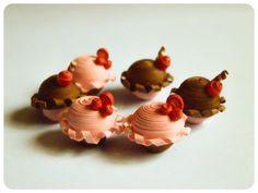 Miniature Quilled Cupcakes
