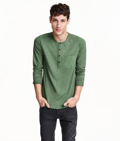 Long-sleeved henley shirt in jersey with a button placket. | H&M For Men