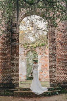 Southern Bridal Session || Old Sheldon Church Ruins || Savannah GA Wedding Photographer || www.brookeashleyphoto.com || Azela Ann's Floral Design