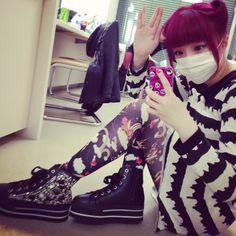 きゃりーぱみゅぱみゅ  @pamyurin  きゃろらいんちゃろんぷろっぷきゃりーぱみゅぱみゅ  私服!靴が超お気に入り!