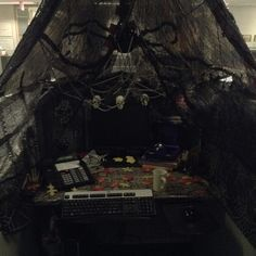 work cubicle cubicles and halloween on pinterest charming desk decorating ideas work halloween