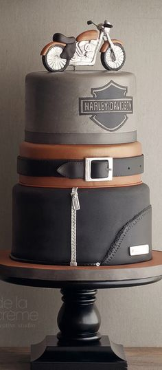 Harley Themed Cake...Perfect cake to celebrate Dad! #FathersDay