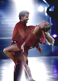 #Celebrity #dancer Louis Van Amstel from ABC's Dancing With The Stars will be premiering LaBlast class for lucky Las Vegans on Saturday, November 2, 2013 at The Stage Dance and Fitness Studio in Henderson, NV from 10-11am.