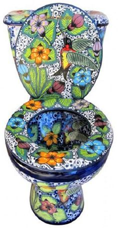 Mexican Talavera Toilet set Mexican bathroom sets consisting of hand painted sink, talavera toilet, mexican toilet seat and ceramic accessories. Mexican Home Decor, Mexican Art, Mexican Style, Mexican Decorations, Wc Set, Toilet Art, Yoga Studio Design, Talavera Pottery, Bathroom Accessories Sets