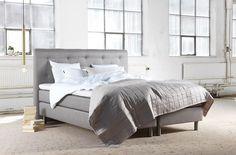 EM Möbler - Moon Kontinentalsäng med huvudgavel Bed, Furniture, Home Decor, Decoration Home, Stream Bed, Room Decor, Home Furnishings, Beds, Home Interior Design