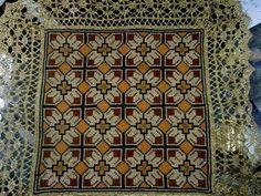 Ενα απο τα παλιά κλασσικά γεωμετρικά σχέδια που κεντιέται εύκολα και γρήγορα. Γιούλη Μαραβέλη-Χαλκίδα. Τηλ:22210 74152. Cross Stitch Art, Counted Cross Stitch Patterns, Cross Stitch Designs, Beaded Embroidery, Cross Stitch Embroidery, Embroidery Patterns, Hama Beads, Needlepoint, Needlework