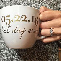 RING OF THE DAY: Shared By: @nicolesayax3 || Mug By: @futuremrsdesigns #ettdringoftheday