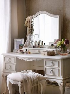 Primrose dressing table