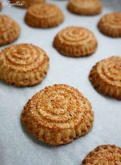 Tahinli Kömbe Kurabiye Tarifi Homemade Beauty Products, Cookie Recipes, Dinner Recipes, Cookies, Desserts, Food, Recipes For Biscuits, Crack Crackers, Tailgate Desserts