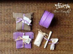 Bomboniera Ecologica borsetta in juta cucita a mano con bulbo di fiore,confetti e pergamena con descrizione e curiosità sul bulbo e i semi da piantare
