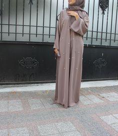 Niqab Fashion, Modern Hijab Fashion, Muslim Women Fashion, Street Hijab Fashion, Modesty Fashion, Hijab Fashion Inspiration, Islamic Fashion, Fashion Outfits, Hijab Style Dress