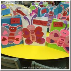 Doodle Bugs Teaching {first grade rocks! Valentines Day Bags, Valentines Card Holder, Valentine Theme, Valentine Box, Valentine Day Crafts, Valentine Ideas, Valentine Mailboxes, Happy Hearts Day, Valentines Day Activities