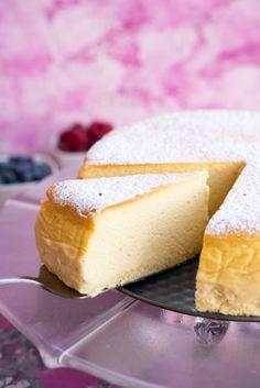Najlepszy przepis na sernik wiedeński! Polish Recipes, Polish Food, Cheesecake, Bon Appetit, Cornbread, Good Food, Food And Drink, Gluten Free, Candy