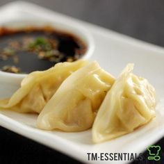 Vegan Potstickers with Mushroom and Tofu Recipe (Steamed Dumplings) make sure you get rid off the water of the cabbage .sal it and then press the water.same thing with Tofu Shrimp Dumplings, Steamed Dumplings, Chinese Dumplings, Japanese Vegetarian Recipes, Vegan Recipes, Vegetarian Entrees, Japanese Recipes, Vegan Meals, Gastronomia
